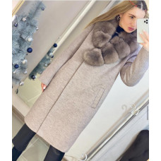 Пальто зимнее с натуральным мехом
